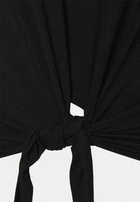 Pieces Curve - PCNEORA TIE TEE CURVE - Print T-shirt - black - 2