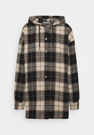 NMFLANNY  HOOD LONG SHACKET - Krátký kabát - black/white pepepr