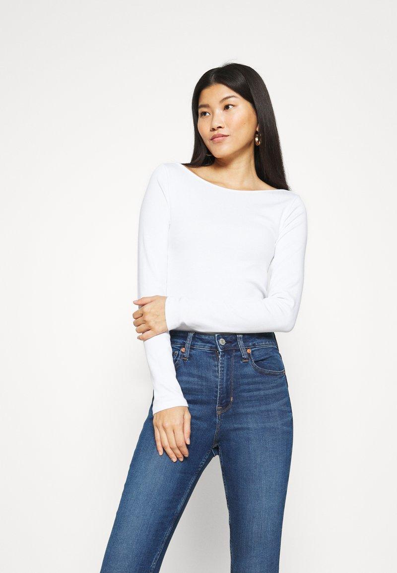 GAP - BATEAU - Long sleeved top - fresh white