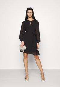 NU-IN - BALOON SLEEVE MINI DRESS - Cocktail dress / Party dress - black - 1