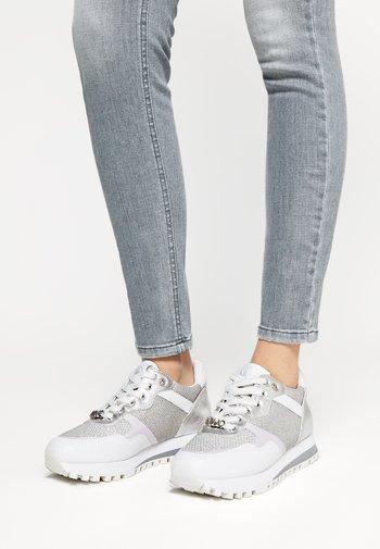 Baskets basses - white/silver