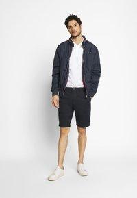 Lyle & Scott - Shorts - dark navy - 1