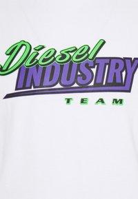 Diesel - T-DIEGOS-K37 UNISEX - Printtipaita - white - 2