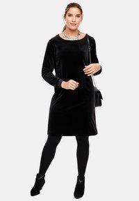 Triangle - MIT BÜNDCHEN - Day dress - black - 1