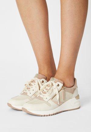 Sneakers laag - cream/rose