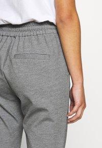 Vero Moda Petite - VMEVA LOOSE STRING PANTS - Bukse - medium grey melange - 3