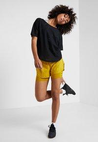 Nike Performance - AIR - T-Shirt basic - black - 1