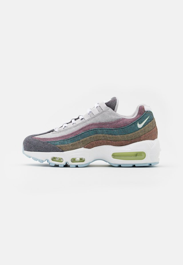 AIR MAX 95 NRG UNISEX - Baskets basses - vast grey/white/barely volt/bright crimson/black