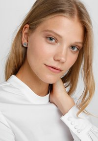 Guess - UPTOWN CHIC - Earrings - silver-coloured - 1