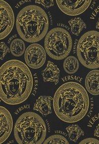 Versace - MEDUSA PRINT UNISEX - Print T-shirt - black/gold - 2