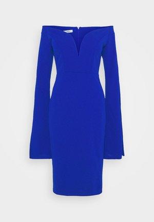 AMELIA V PLUNGE MIDI DRESS - Žerzejové šaty - electric blue