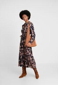 Kaffe - KASTELLA SHIRT DRESS - Maxi dress - black deep - 2