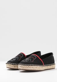 KARL LAGERFELD - KAMINI OUTLINE SLIP ON - Espadrilles - black