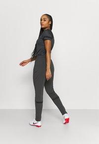 Nike Performance - PANT - Teplákové kalhoty - anthracite/black - 2