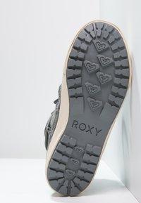 Roxy - WHISTLER - Botki sznurowane - charcoal - 4