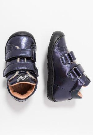 Lära-gå-skor - laminated blue