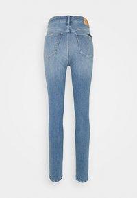 Calvin Klein Jeans - HIGH RISE SKINNY - Jeans Skinny Fit - denim light - 1
