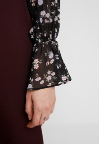 Missguided - DITSY FLORAL PLUNGE TIE BODYSUIT - Blouse - brown - 5