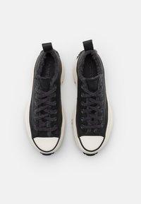 Converse - RUN STAR HIKE  - Zapatillas - black/almost black/egret - 7