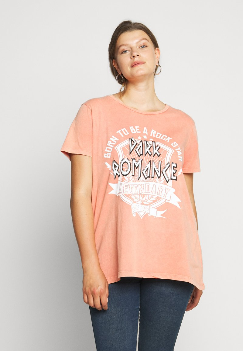 ONLY Carmakoma - CARMINE BOXY TEE - Print T-shirt - hot sauce