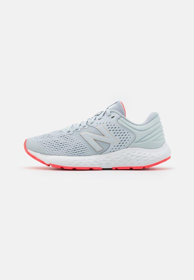520 - Juoksukenkä/neutraalit - grey/pink
