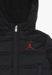 Jordan - HERITAGE PUFFER JACKET - Winter jacket - black - 4