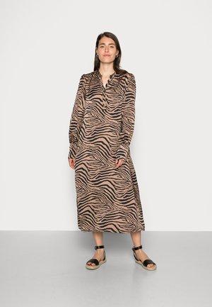 ENNE DRESS - Shirt dress - chanterelle
