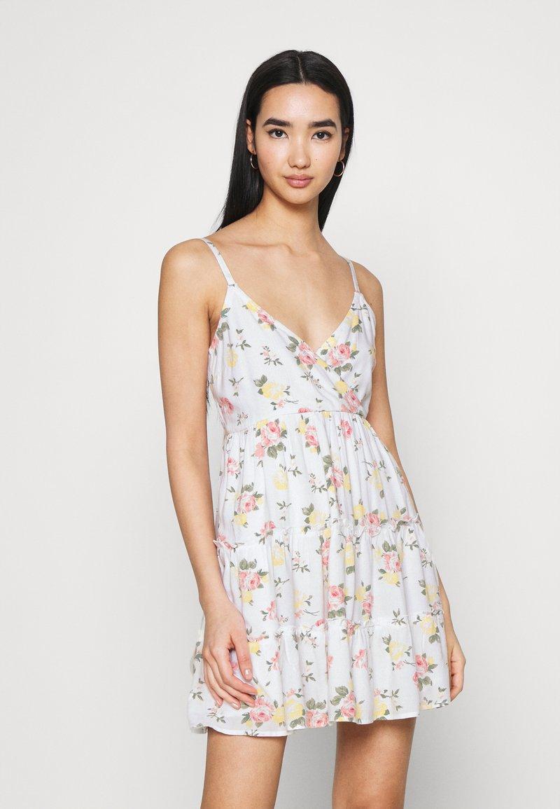 Hollister Co. - BARE FEMME SHORT DRESS - Day dress - white