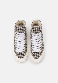 Good News - PALM CHECK - Baskets montantes - black/white - 3