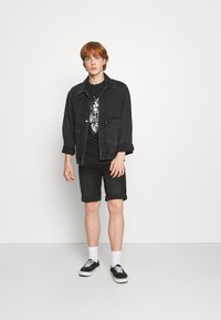 Common Kollectiv - FLORAL UNISEX - Print T-shirt - black - 1