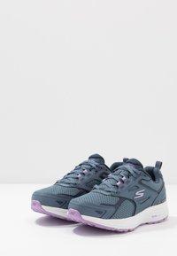 Skechers Performance - GO RUN CONSISTENT - Neutral running shoes - blue/purple - 2