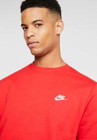 Nike Sportswear - CLUB - Sweatshirt - university red/white - 4