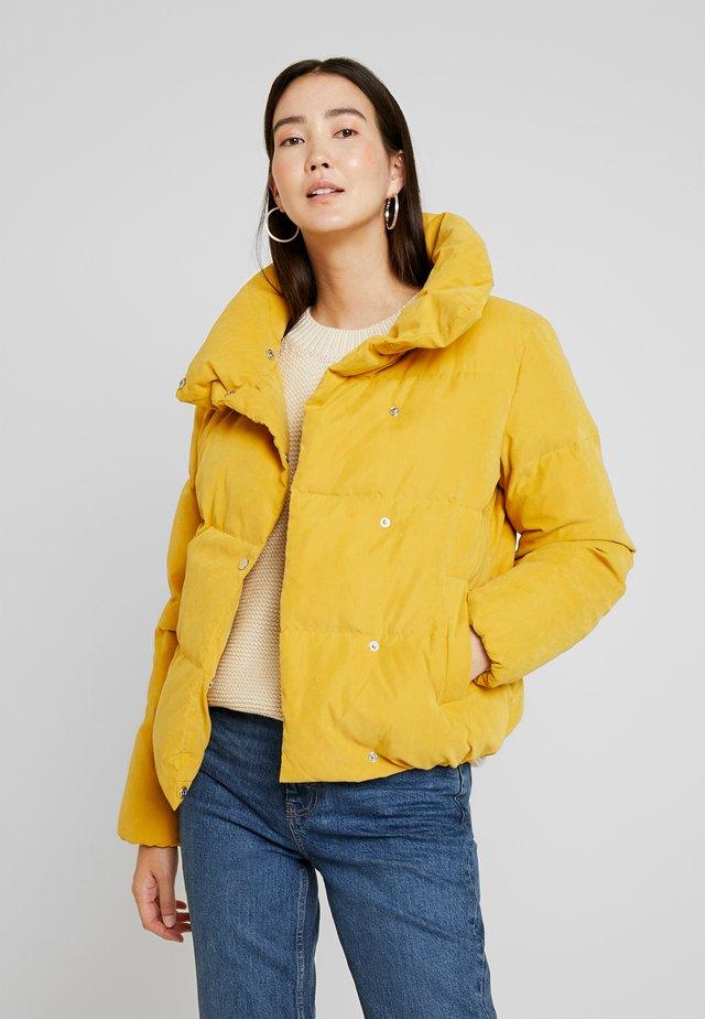 Gewatteerde jas - golden yellow