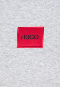 HUGO - THE SLIM TEE - T-shirt z nadrukiem - grey melange - 2