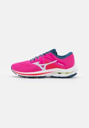 WAVE INSPIRE 17 - Stabilní běžecké boty - phlox pink/nimbus cloud/sunny lime