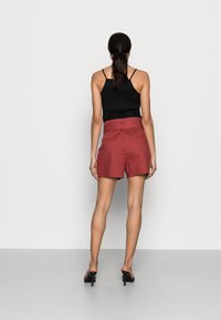 NAF NAF - EFALLIN  - Shorts - terre cuite - 2