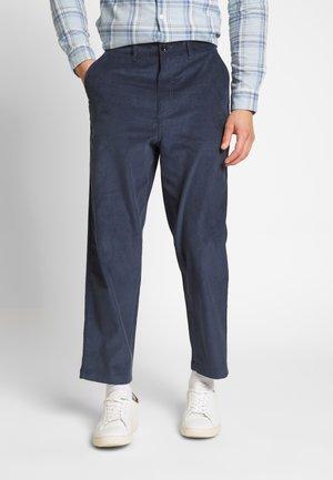 HAWTIN - Trousers - yale