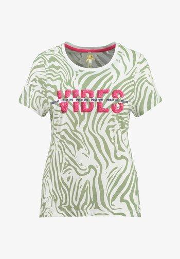 WT CLUB - Print T-shirt - grün
