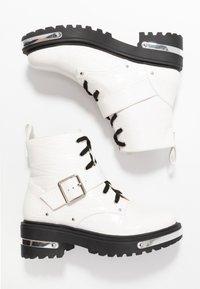 Missguided - DETAIL HIKING BOOT - Platåstøvletter - white - 3