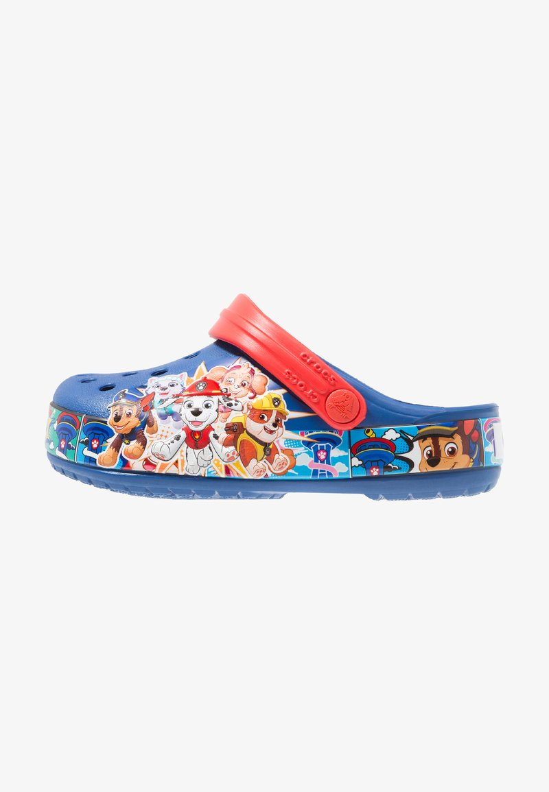 Crocs - PAW PATROL BAND RELAXED FIT - Pool slides - blue jean