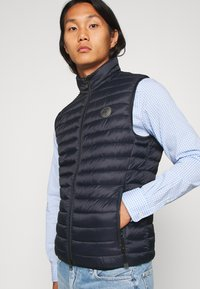 Marc O'Polo - NO DOWN STYLE - Waistcoat - total eclipse - 3