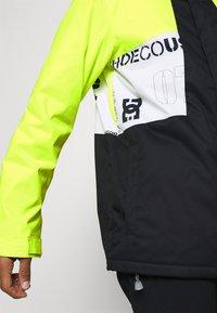 DC Shoes - DEFY JACKET - Snowboard jacket - syndicate white - 4