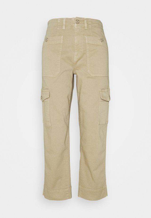 STRAIGHT COLORED - Pantaloni cargo - aloe