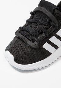 adidas Originals - PATH RUN  - Tenisky - clear black/footwear white/shock red - 2