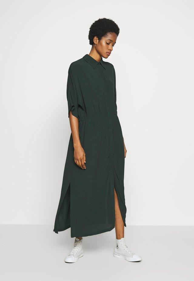 CAT SHORT SLEEVE DRESS - Blusenkleid - bottle green