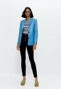 Uterqüe - MIT HOHEM BUND 00110651 - Jeans Skinny Fit - blue - 1