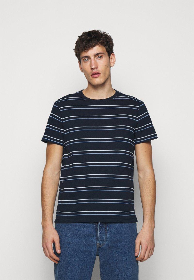 Club Monaco - STRIPE TEE - Print T-shirt - navy multi