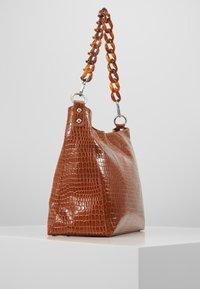 HVISK - AMBLE CROCO - Handbag - chocolate - 3