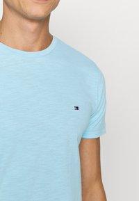 Tommy Hilfiger - SLUB TEE - T-shirt - bas - sail blue - 5