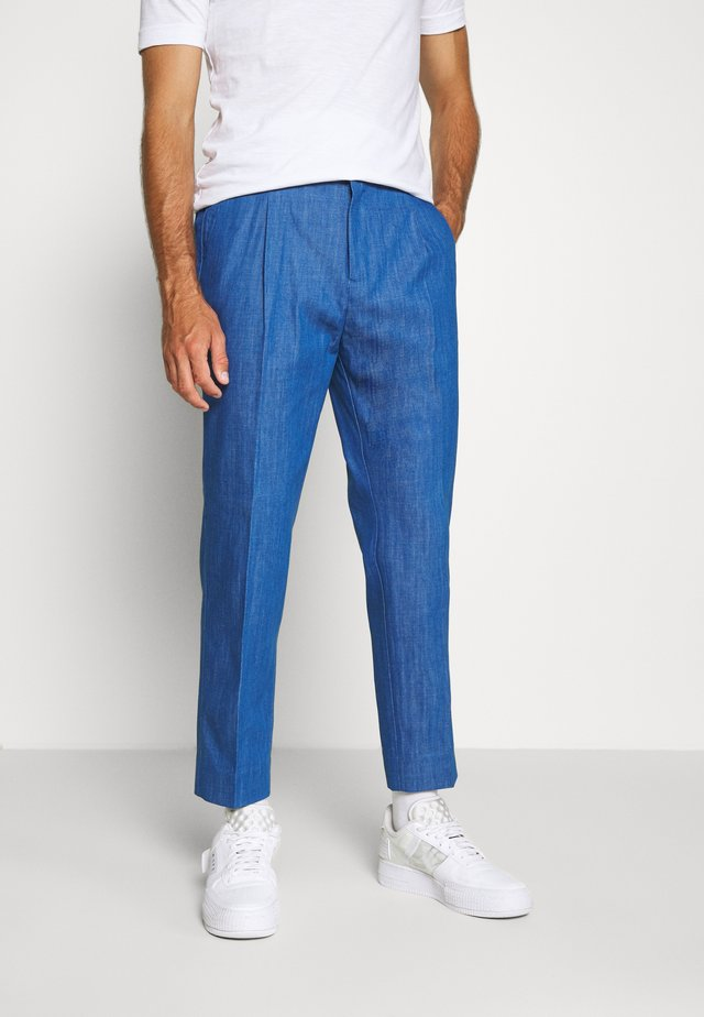 PLEATED SUIT PANT - Tygbyxor - aqua blue